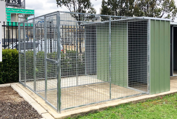 Double dog pen enclosure for two dogs