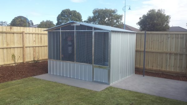 Wire in Gable Aviary Bird Enclosure Divider